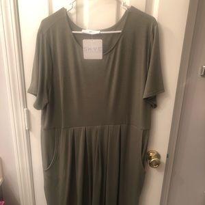 3x plus size dress with pockets!